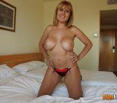 Nuria - Juicy mature breasts 4