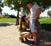 Claudia Sánchez - Fucking in the park 4