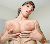Suhaila Hard - Public Boobstentation 3