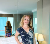Claudia - Blonde Babe - Anilos 4
