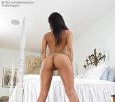 Josie Jagger - InTheCrack 9