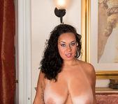 Anastasia Lux - Round Ass - Anilos 15