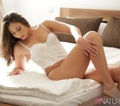 Carla Crouz - Those Meaningful Things - 21Naturals 3