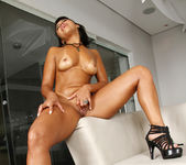 Sara Rosar - Spread Thick - Mike In Brazil 4