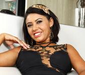 Sara Rosar - Spread Thick - Mike In Brazil 7