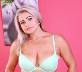 Lina Peters - saggy milf spreading her pussy 7