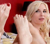 Piper Perri Has Feet Worshipped and Pussy Pounded Hard 9