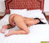 Aline Rios - Spread That Ass - Mike In Brazil 9