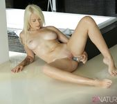 Arteya - Canvas of Beauty - 21Naturals 20