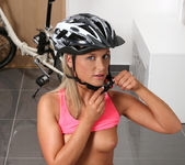 Vinna Reed - Biking or masturbation? 6