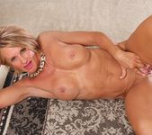 Older mature Mason Vonne spreading her legs 13
