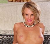 Older mature Mason Vonne spreading her legs 18