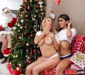 Alexis Fawx, Sophia Leone - Sneaky Santa - Moms Bang Teens 6