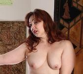 Ember Rayne - chubby mom getting naked 9
