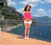 Nina Sunrise - flexible & adventurous 2
