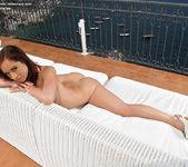 Nina Sunrise - flexible & adventurous 11