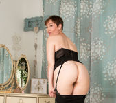 Kitty Creamer - Mature Model 16