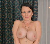 Stacy Ray - Sexy Mom - Anilos 11