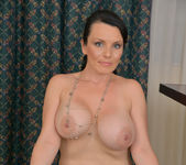 Stacy Ray - Sexy Mom - Anilos 15
