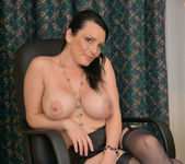 Stacy Ray - Sexy Mom - Anilos 21