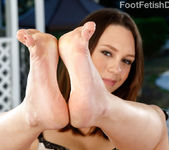 Jade Nile Loves Sucking Her Toes While Giving a Footjob 2