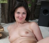Penny Prite - plump milf spreading her pussy 14