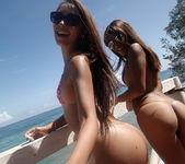 Venezuelan Sunshine - Lola Banny 9