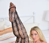 Uma Zex - Fishnet Stockings 8