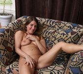 Chase Cunningham - older babe spreading her pussy 15