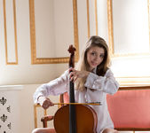 Violoncello - Milla - Watch4Beauty 2