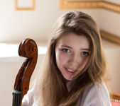 Violoncello - Milla - Watch4Beauty 3