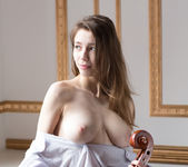 Violoncello - Milla - Watch4Beauty 5