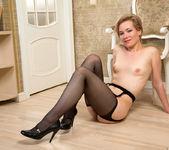 Lisa Young - Petite Milf - Anilos 15
