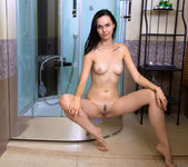 Yani Yani - shower cabin fun 8