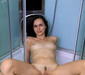 Yani Yani - shower cabin fun 9