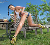 Taissia Shanti - playing with her vibe outdoors 5