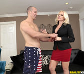 Alena Croft - Penetrate The Pussy - MILF Hunter 3