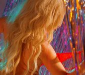 Amy Love peels off her Red bra - Spinchix 6