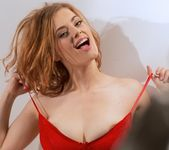 Lottii Rose taunts and teases in her Red bra - Spinchix 6