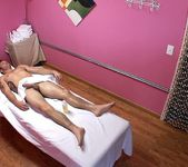 Alexa Bay - Master Massager - Happy Tugs 8