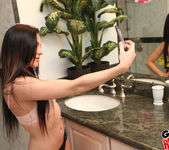 Nikki Bell - Satisfying Nikki - GF Revenge 2