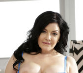 Natalie Lovenz - Good Lovenz - MILF Hunter 3