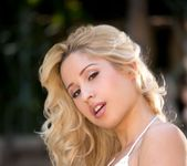 Hot Blonde Goldie shows us the goods 8