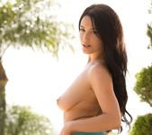 Noelle Easton Has A Beautiful, Natural Body 7