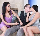 Vicki Chase, Karlee Grey - Karlee & Vicky's Threesome 2