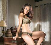 Vanessa Veracruz, Abigail Mac, Natasha Voya 22
