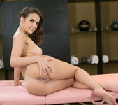 Dillion Harper, Chloe Lynn - The Present 29