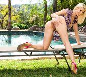 Dani Daniels, Annika Albrite - My New Trick 18