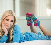 Odette Delacroix, Lola Foxx - Lazy Morning Massage 19