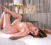 Sovereign Syre, Lola Foxx - In-Room Rubdown 5
